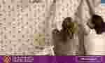 Membersihkan wallpaper dinding